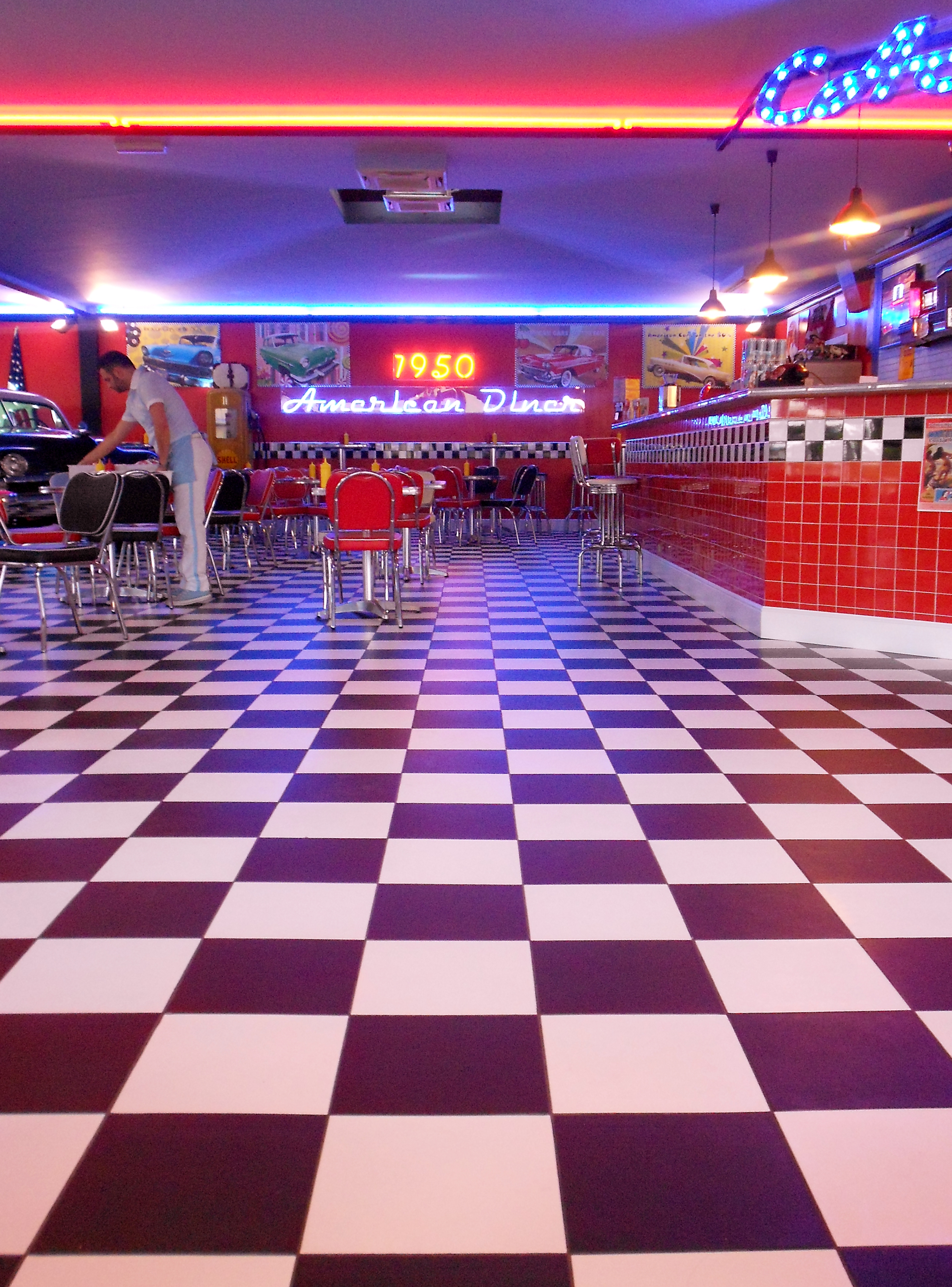 1950 s american diner in florence no really girl in florence. Black Bedroom Furniture Sets. Home Design Ideas