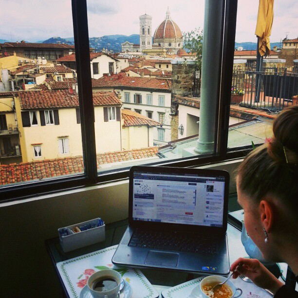 Breakfast with a view on via tornabuoni