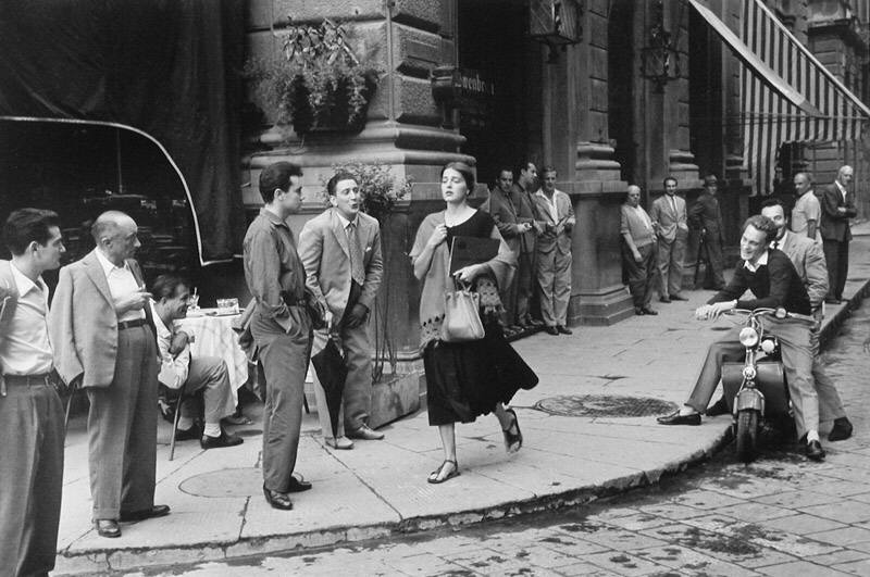 Ruth Orkin - American girl in Italy 1951