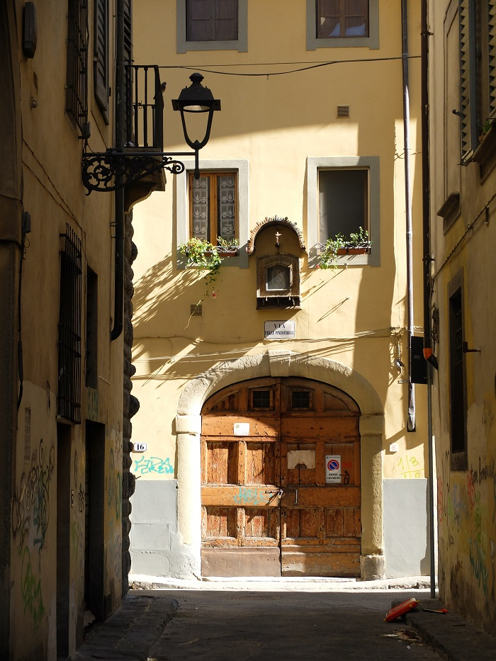 Florence, Italy | How to Volunteer tips by @girlinflorence