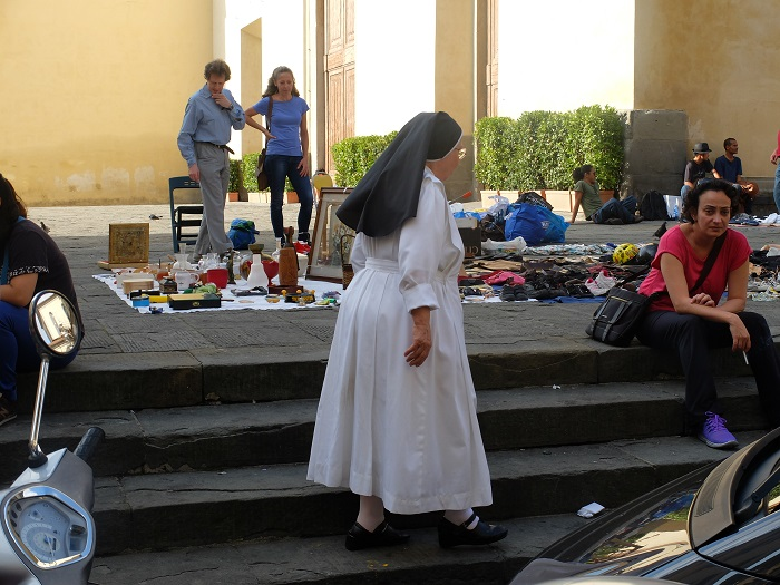 Nun in Florence | Girl in Florence blog @girlinflorence