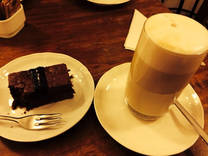 Caffe latte and a chocolate slice of heaven, perche' no?