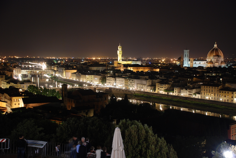 Florence by night, photo by: wikimedia commons