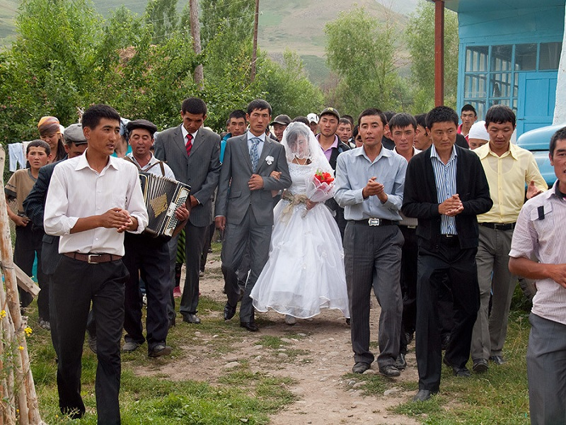 The Weirdest Wedding Traditions In The World: 5 Strange Wedding Traditions Around The World