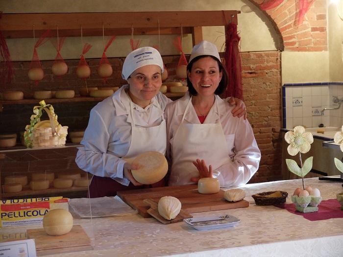 Podere Casa al Bosco cheese farm