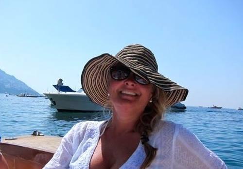 Gillian in Positano